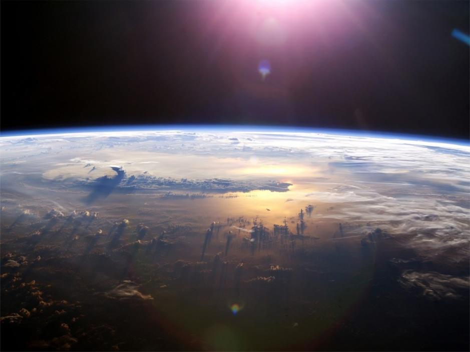 В атмосфере Земли найдено загадочное вещество, разрушающее озон